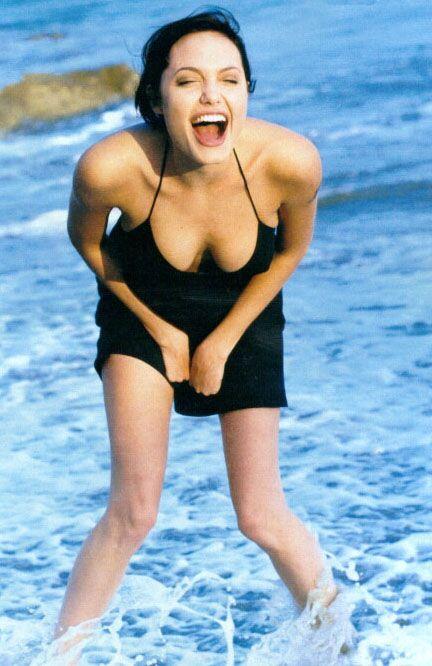Jolie'nin şok pozları - 11